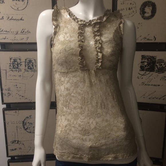 5/$20 Victorian light gold ruffle lace top
